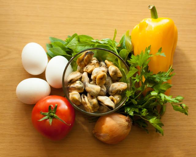 ингредиенты для омлета с мидиями