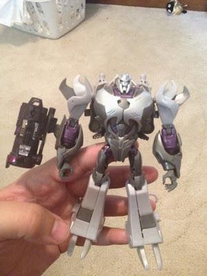 Megatron  deluxe Transformers Prime Takara