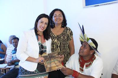 Lideranças indígenas participam de reunião de trabalho com prefeita Cláudia Oliveira