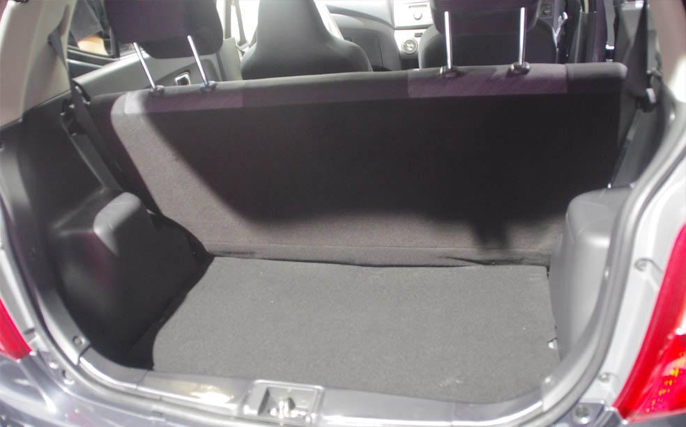 Kekurangan Daihatsu Ayla Kelebihan Harga Dan Spesifikasi