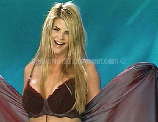 Kirstie Alley Hot Cleavage show