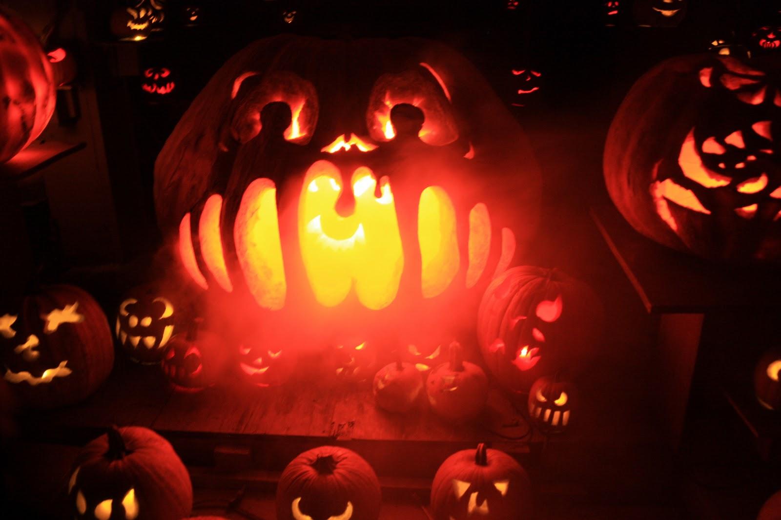 visibly moved: jack-o-lantern spectacular