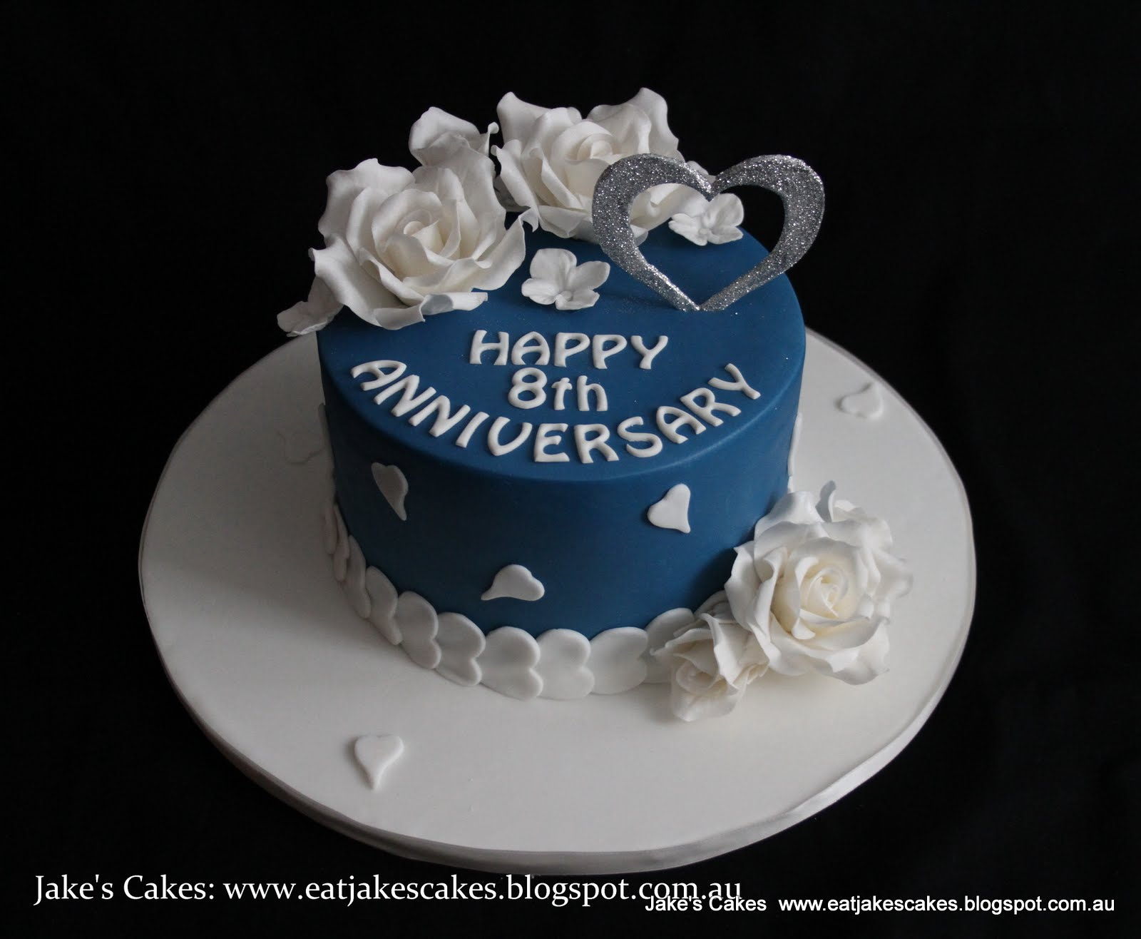 Jake 39 s cakes hearts and rose anniversary cake for Anniversary cake decoration