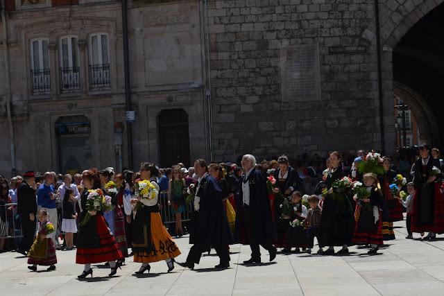 ofrenda de flores santa maría la mayor - burgos san pedro 2013
