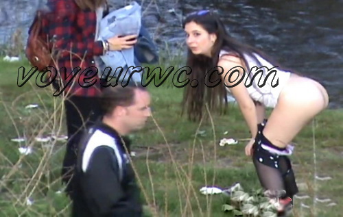 Girls Gotta Go 05 (Spanish Outdoor Voyeur Pissing)