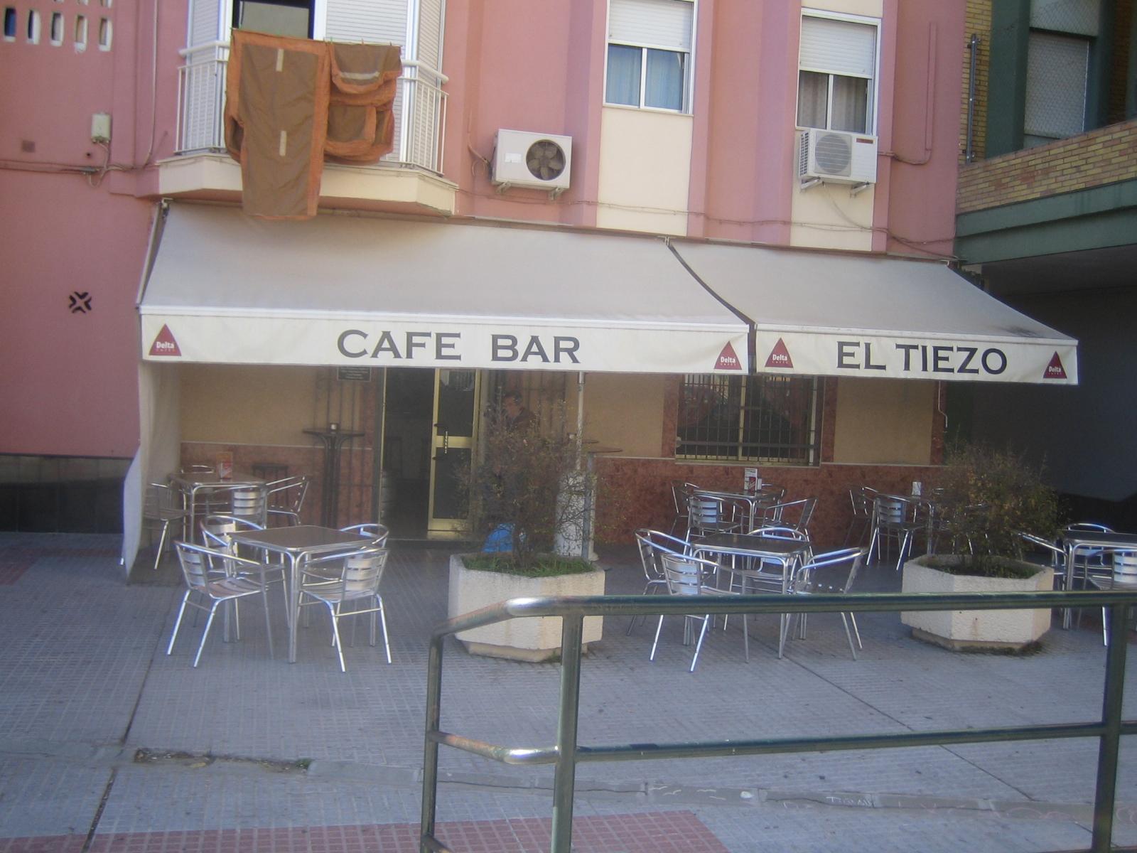 """CAFÉ BAR """"EL TIEZO"""""""