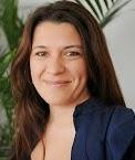 Cynthia Garcia @cyngarciaradio Periodista latinoamericana conductora en Radio Nacional, la Radio Publica.Columnista en Radio Continental con VH Morales. panelista de 678
