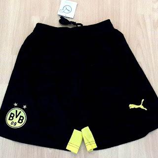 gambar desain terbaru celana musim depan Celana borrusia Dortmund home terbaru musim 2015/2016 di enkosa sprot.