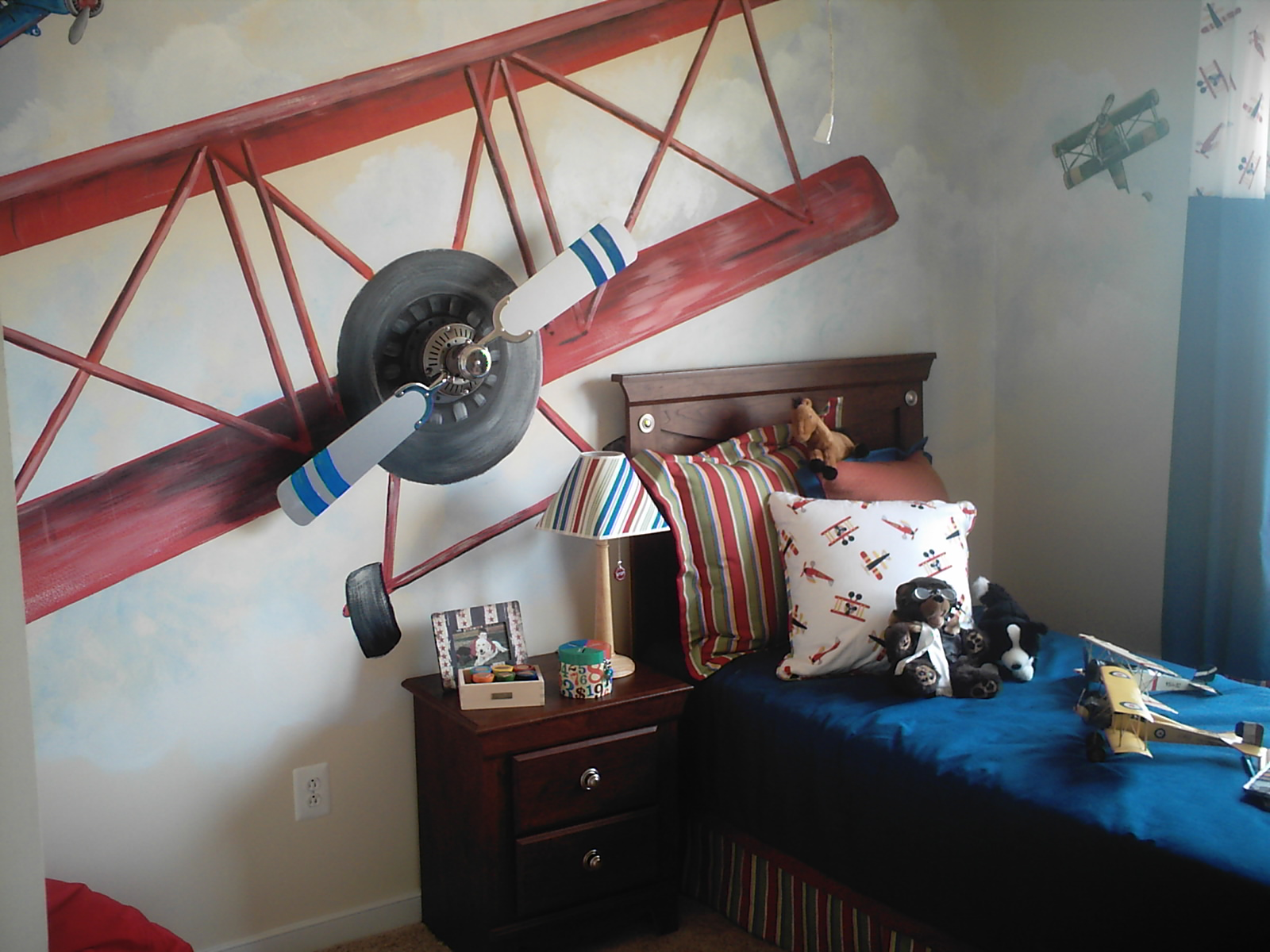 boys airplane room design dazzle
