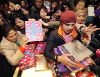 Retailers record strong sales on Boxing Day