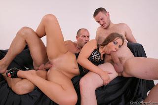 Horny and twerking - rs-jujjm3311-763438.jpg