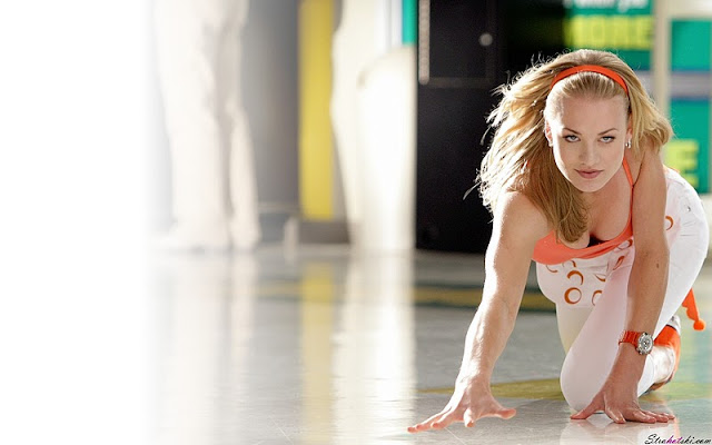 Australian Actress Yvonne Strahovski
