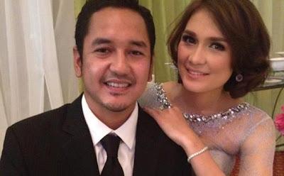 Berikut foto-foto Mesra Luna Maya dan pacar barunya .