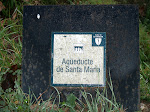 Placa indicativa de l'Aqüeducte de Santa Maria