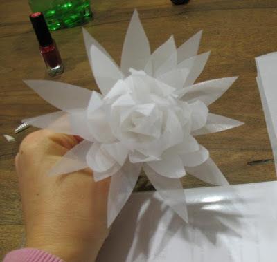 come fare fiori in stoffa,come creare fiori in seta