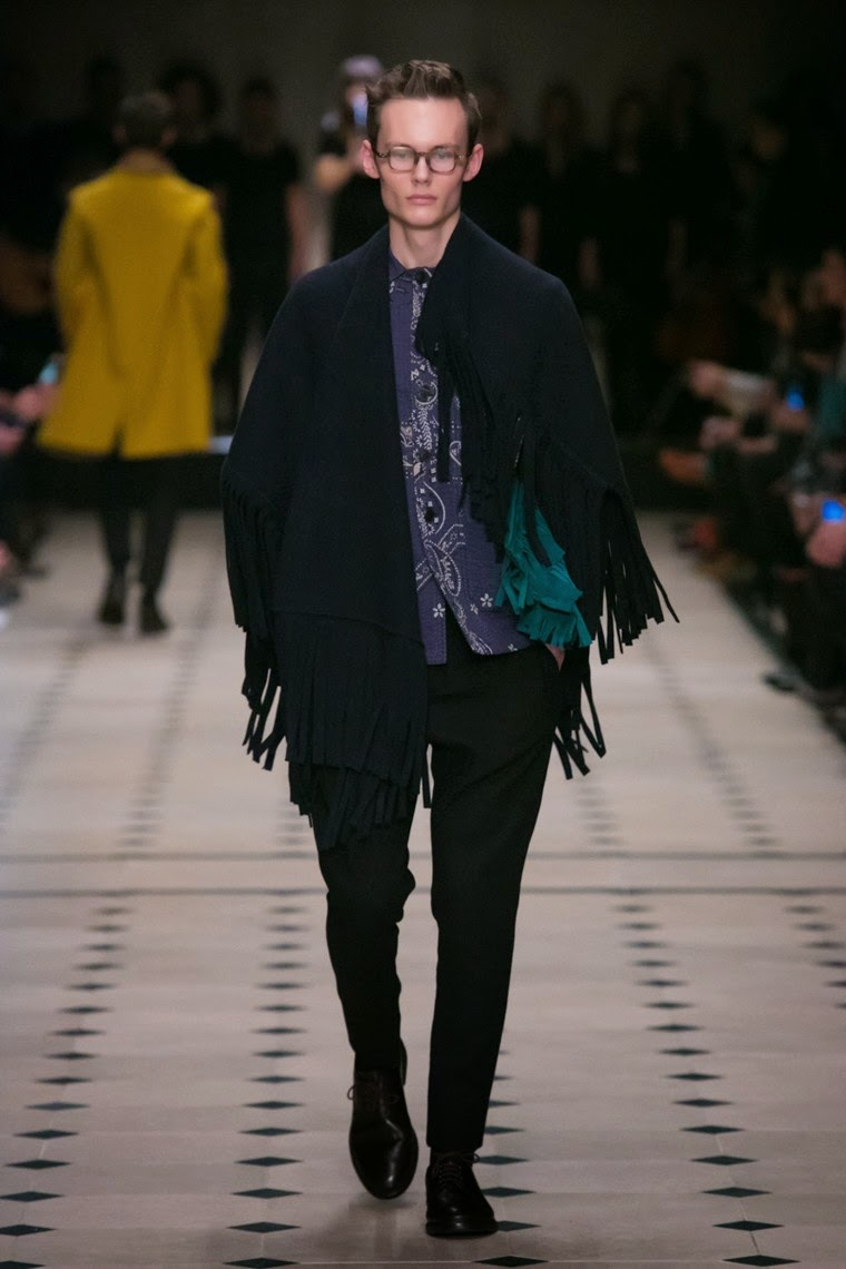 Burberry Prorsum AW15, Burberry Prorsum FW15, Burberry Prorsum Fall Winter 2015, Burberry Prorsum Autumn Winter 2015, Burberry Prorsum, du dessin aux podiums, dudessinauxpodiums, LCM, London Collections Men, mode homme, menswear, habits, prêt-à-porter, tendance fashion, blog mode homme, magazine mode homme, site mode homme, conseil mode homme, doudoune homme, veste homme, chemise homme, vintage look, dress to impress, dress for less, boho, unique vintage, alloy clothing, venus clothing, la moda, spring trends, tendance, tendance de mode, blog de mode, fashion blog,  blog mode, mode paris, paris mode, fashion news, designer, fashion designer, moda in pelle, ross dress for less, fashion magazines, fashion blogs, mode a toi, revista de moda, vintage, vintage definition, vintage retro, top fashion, suits online, blog de moda, blog moda, ropa, blogs de moda, fashion tops, vetement tendance, fashion week, London Fashion Week