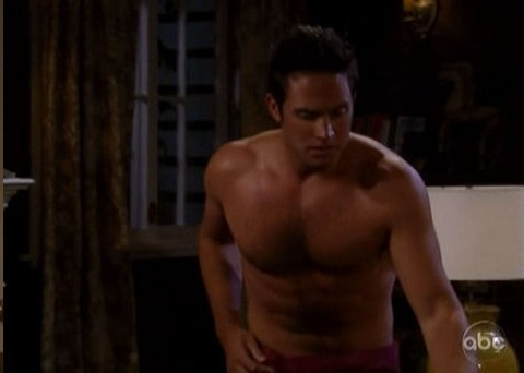 Brandon-Barash-shirtless-4.jpg