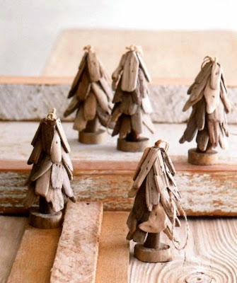 http://www.seasideinspired.com/driftwood-christmas-decor.htm