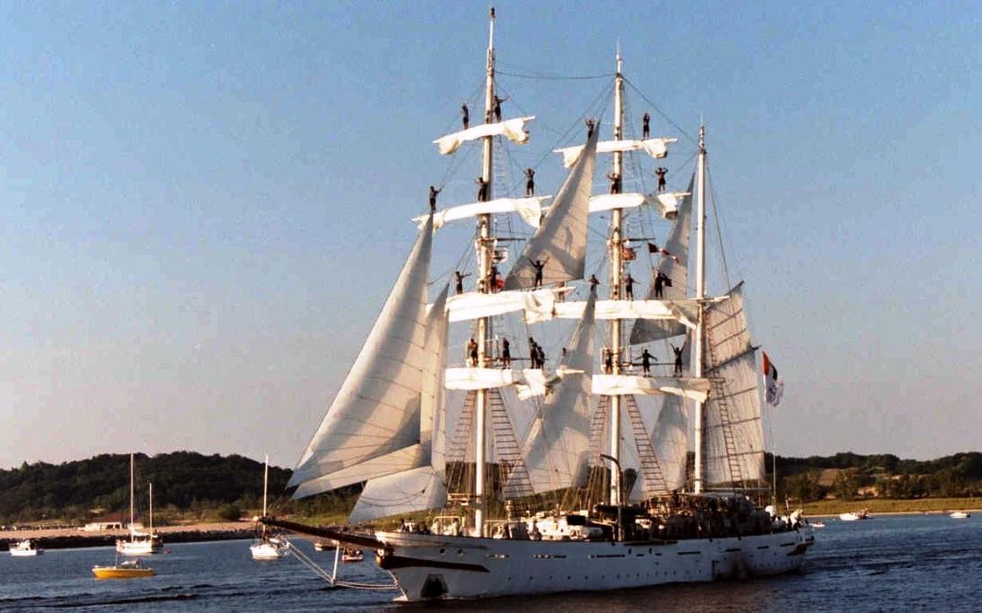INS Tarangini Sailing Ship Wallpaper 2