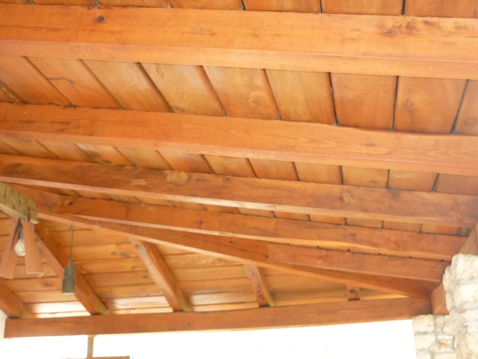Artesan a porches p rgolas estructuras tejados etc for Tejados de madera para exterior