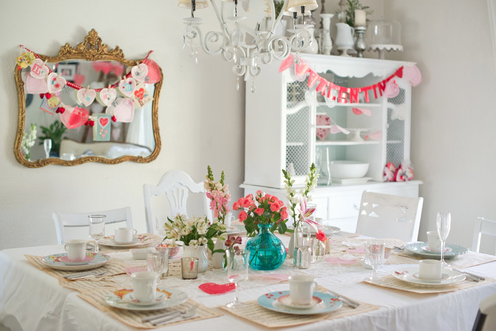 Domestic Fashionista: Vintage & Feminine Valentine\'s Day Tea Party