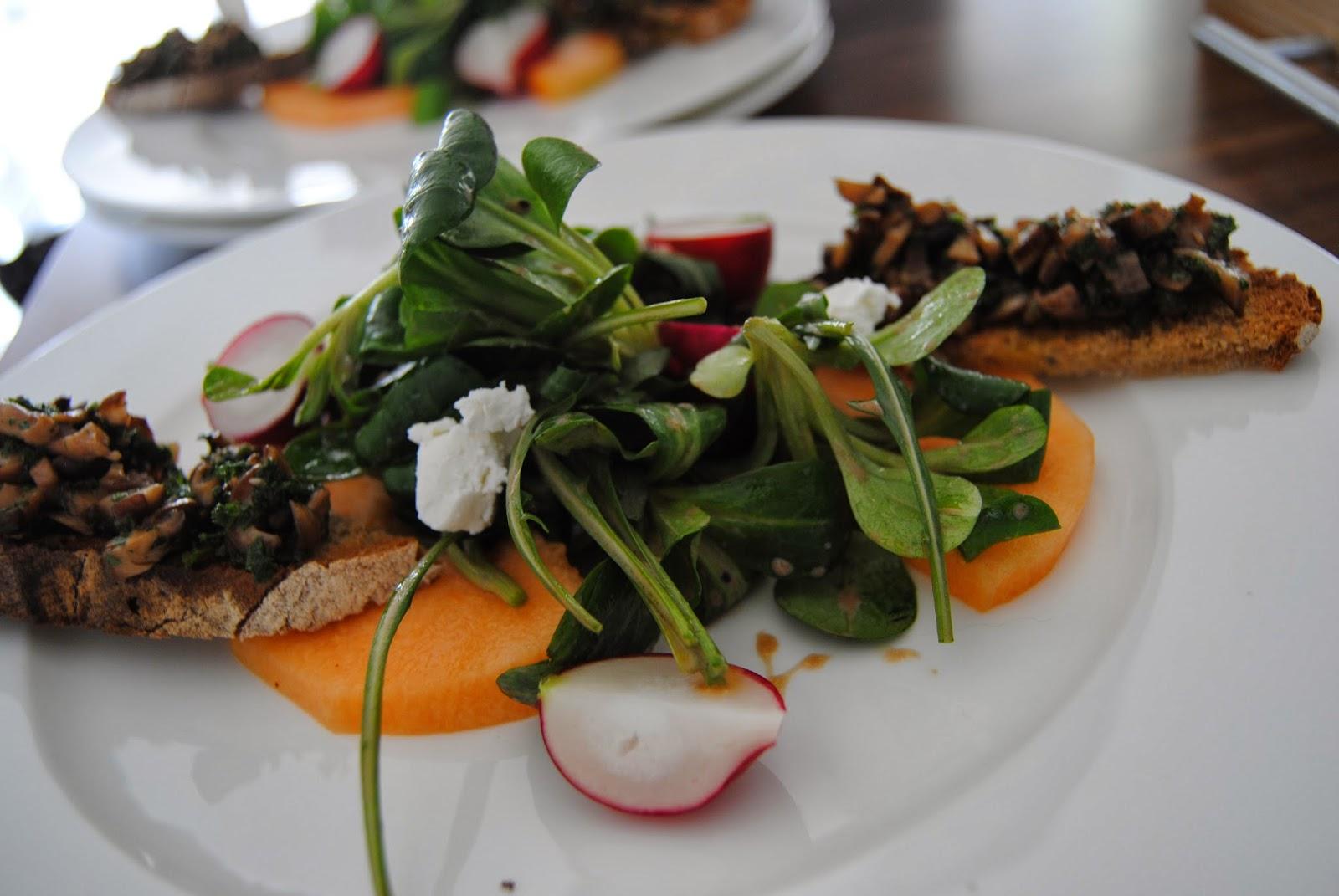 Rezept Salat mit Pilz-Crostini