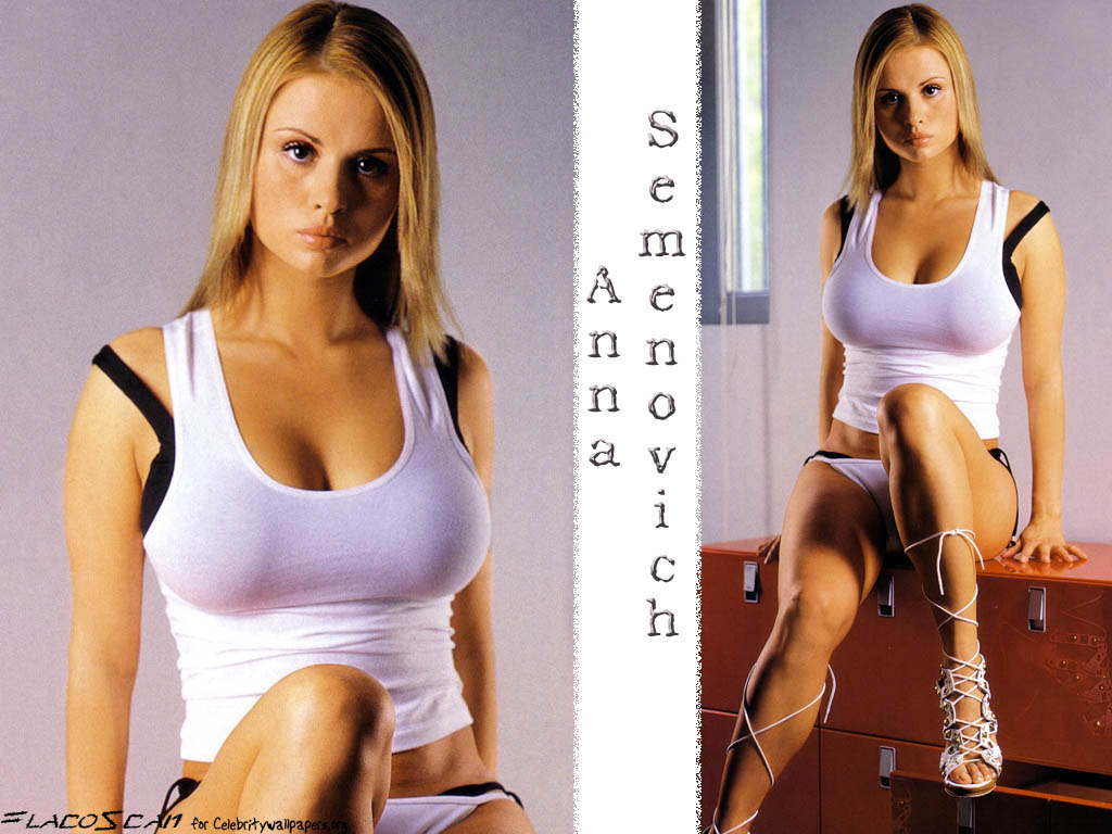 Anna Semenovich Hot Chick At Lunch Pictures