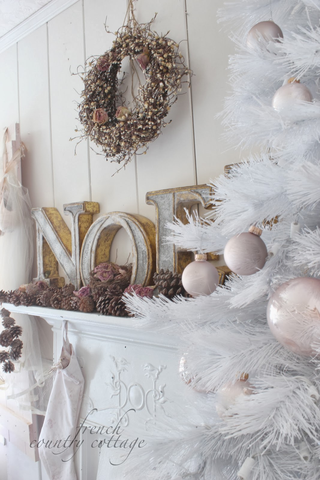 Christmas office diy romantic wreath french country for French country cottage decorating ideas