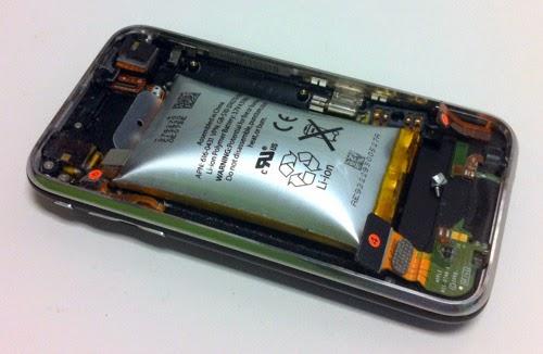 Cara Memperbaiki Baterai Ponsel Yang Kembung