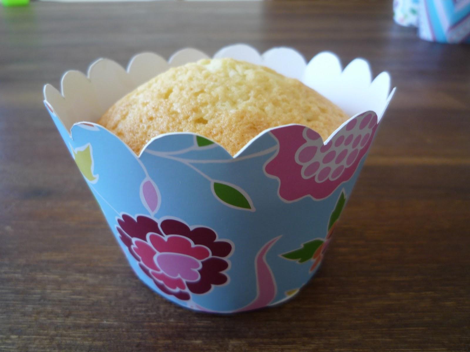 Vanille-Erdbeer-Muffins mit selbstgebastelten Muffinringen