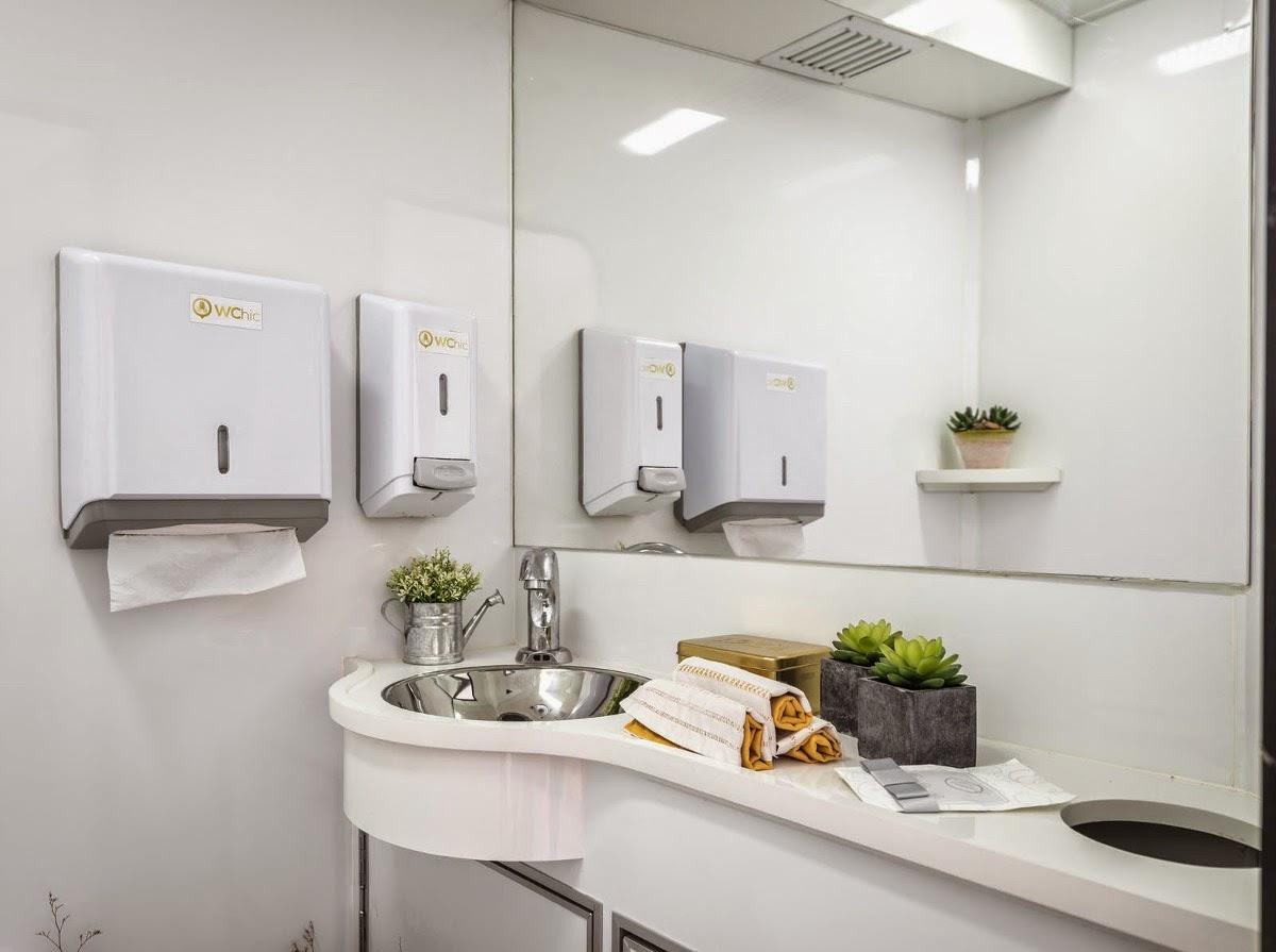 locaco de banheiros de luxo melhor que sanitarios quimicos 18966  #A27029 1200x895 Banheiro De Luxo Pequeno