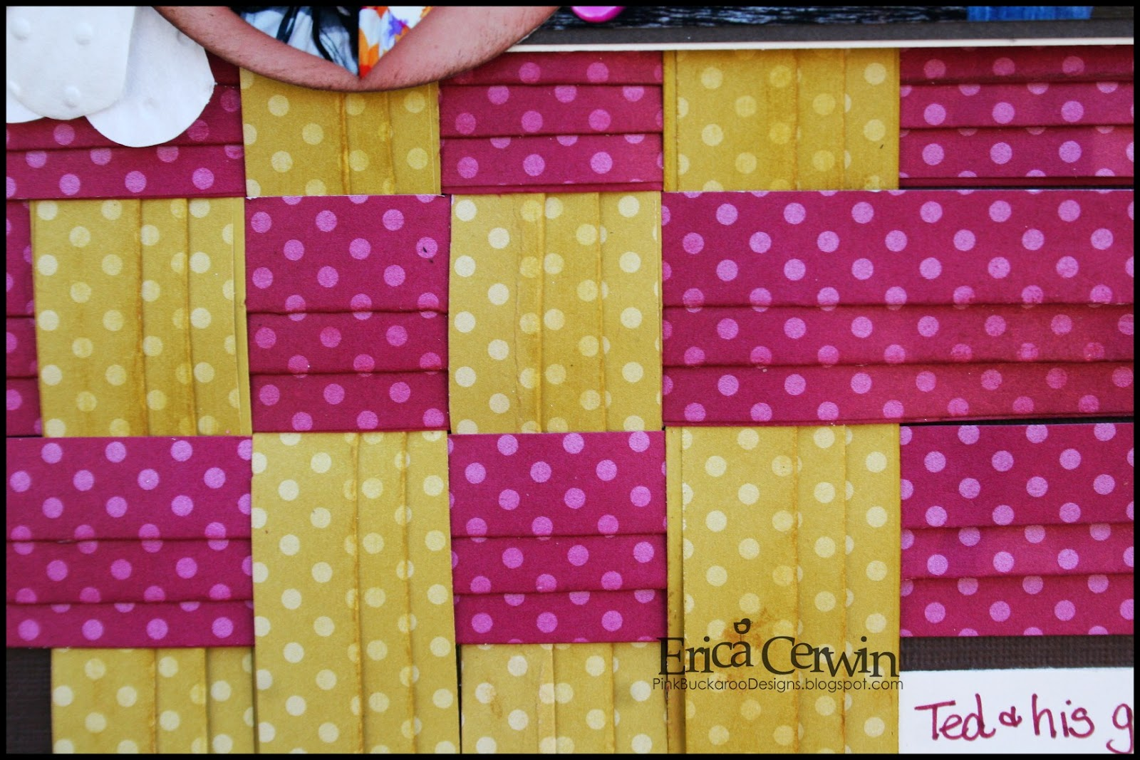 How to design scrapbook using colored paper - How To Design Scrapbook Using Colored Paper I Recently Saw In This Paper Pleating Weaving