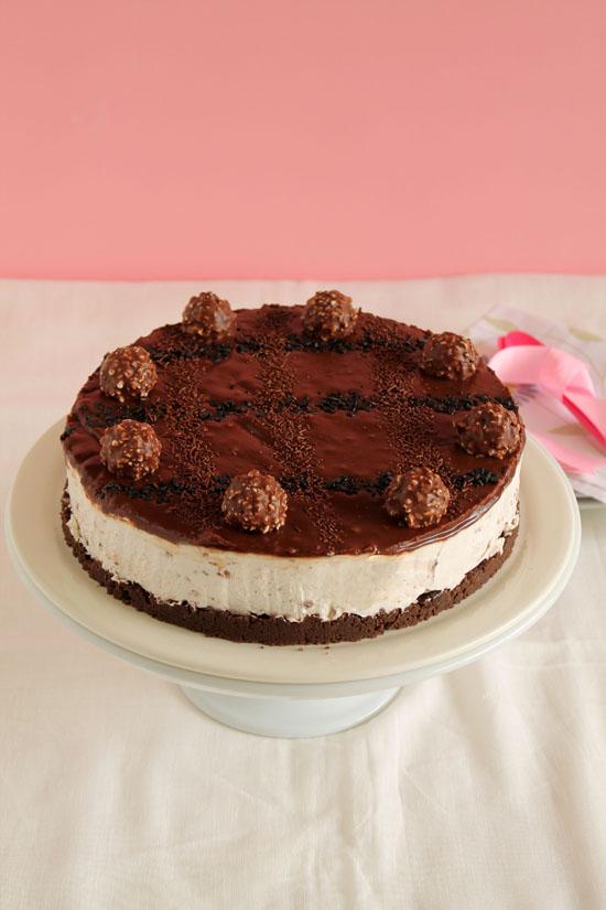 Ferrero-rocher-oreo-nutella-cheesecake