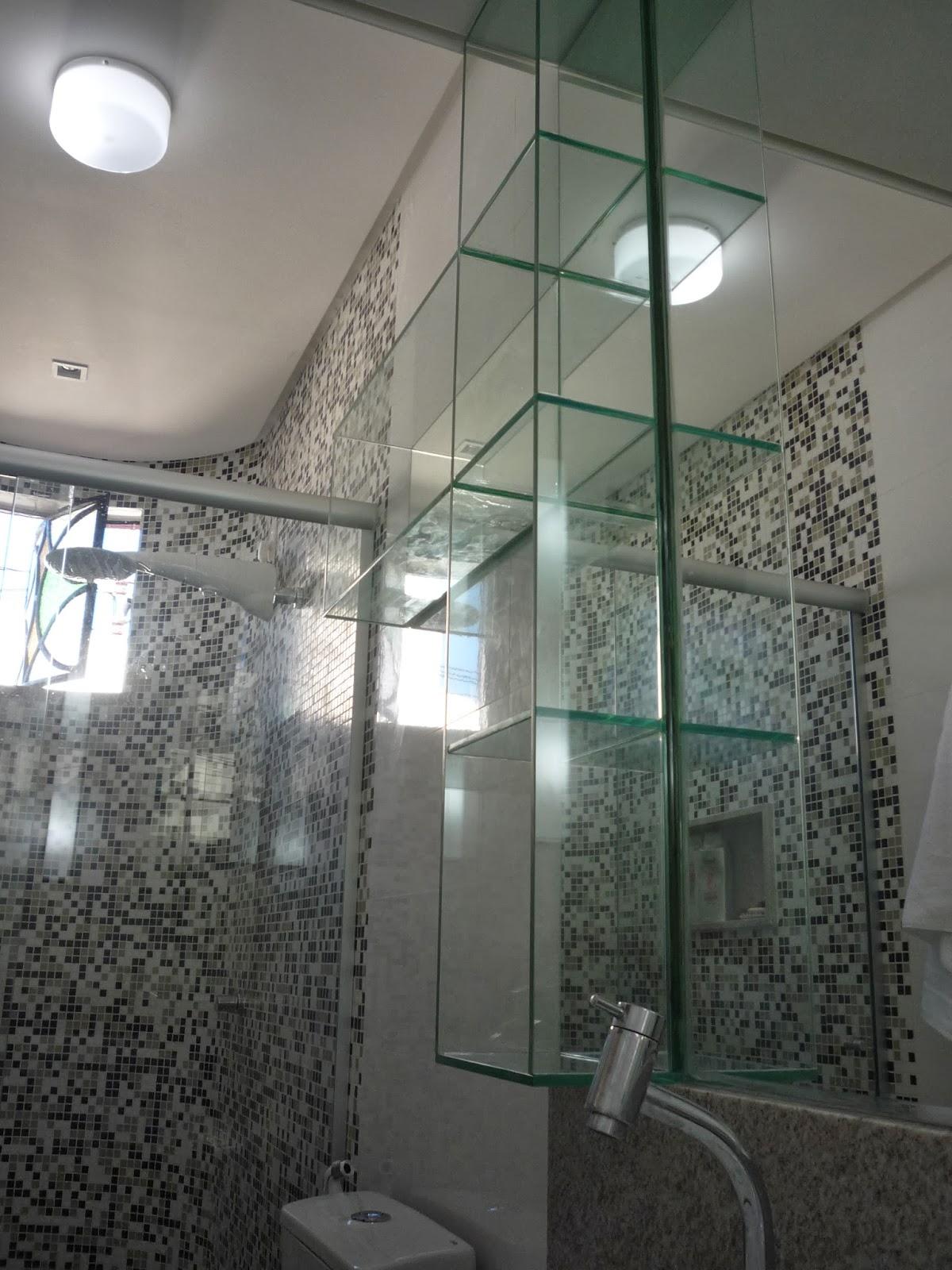 Arquitetura & Interiores: JOGO DE CORES: PRETO   CINZA   BRANCO #726759 1200x1600 Banheiro Branco Com Cinza