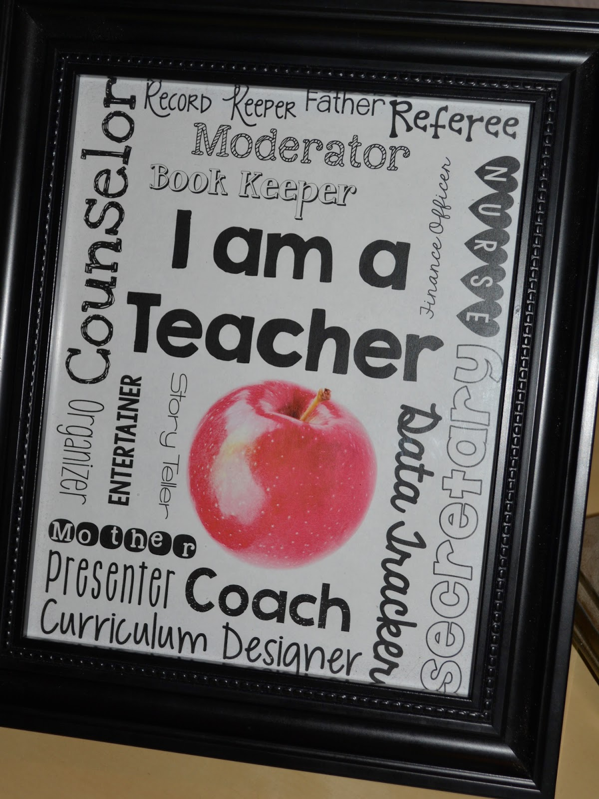 I Am A Teacher! Free Printable For Home Or Work!