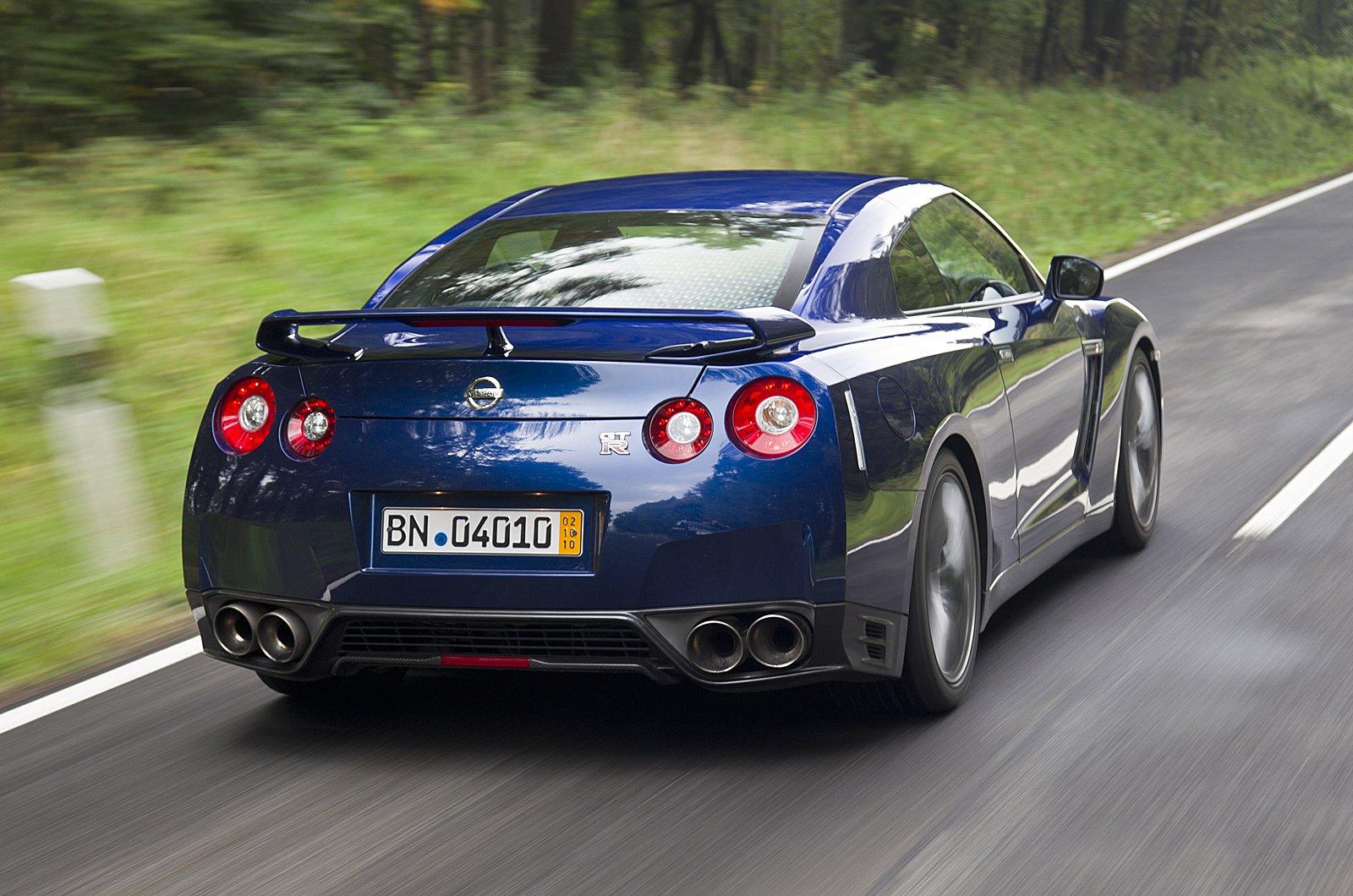 http://2.bp.blogspot.com/-7RPByi6hdk0/TsdbDfpLWSI/AAAAAAAAEvI/ZXFPfdEBw48/s1600/2012+Nissan+R35+GTR+Aurora+Flare+Blue+Pearl+color+rear+view.jpg