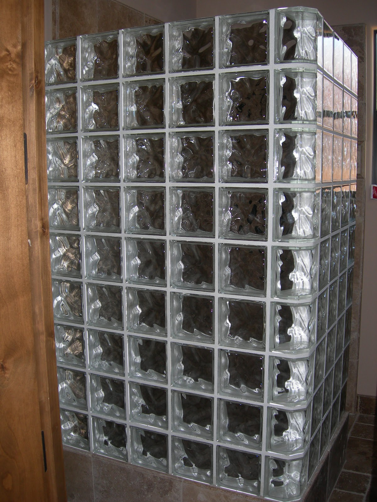 BLOCO DE VIDRO IDEIAS PARA USAR Cores da Casa #664934 1200x1600 Banheiro Com Tijolo De Vidro No Box