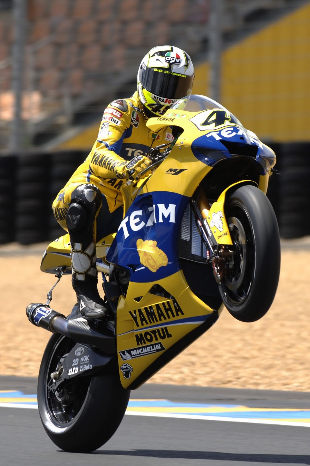 valentino rossi ndash wheelie - photo #13