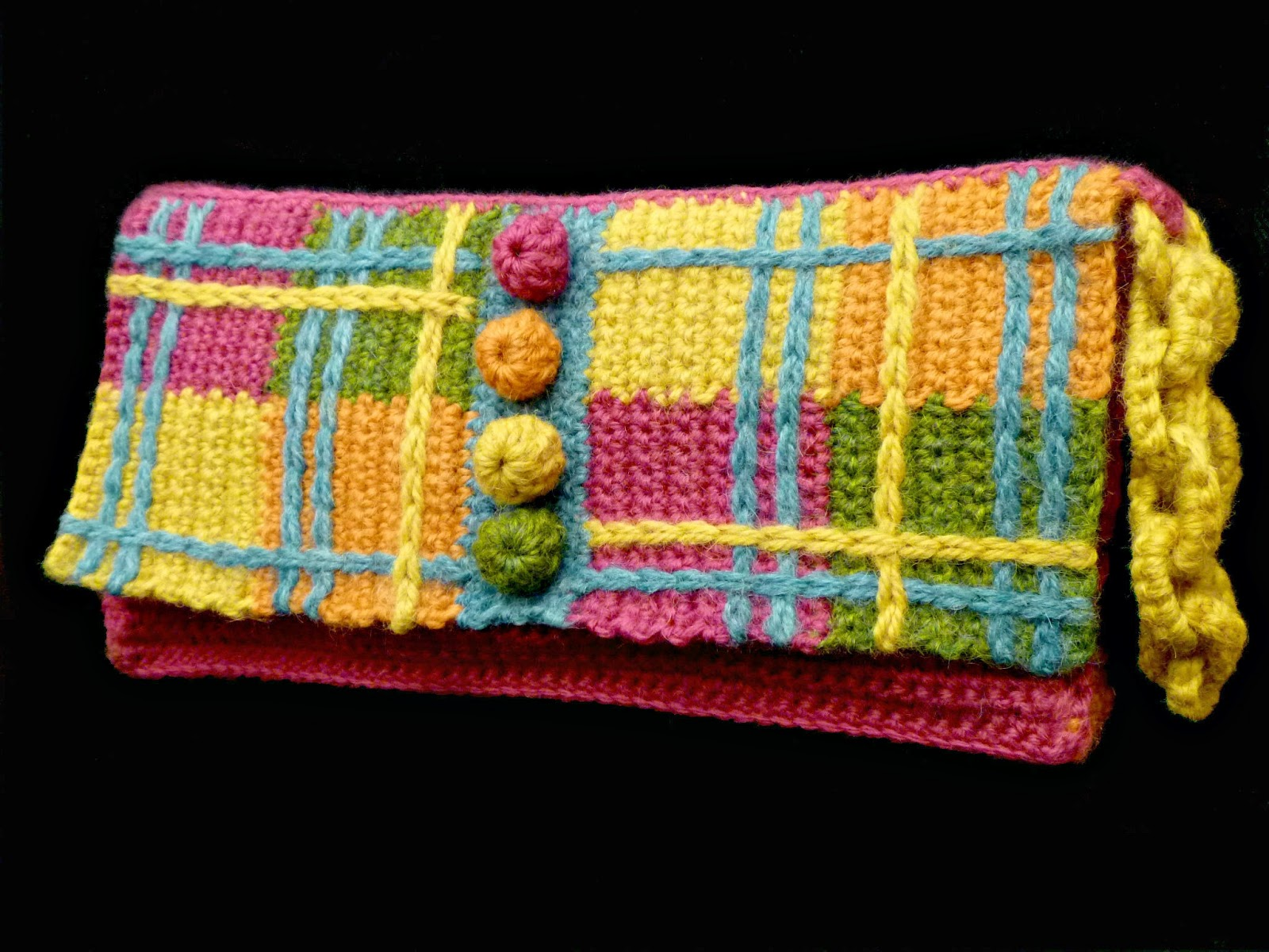 Crochet Wristlet Purse Pattern : ... runway crochet book is the plaid wristlet purse this purse evolved so