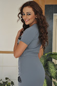 Seerath kapoor latest glam pics-thumbnail-4