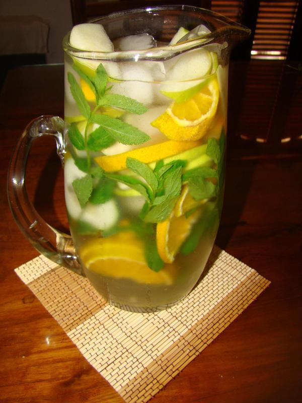 Cocina en casa aguas saborizadas naturales for Aguas frescas citricas naturales con