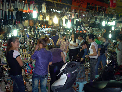 Shoe Shops in Hanoi