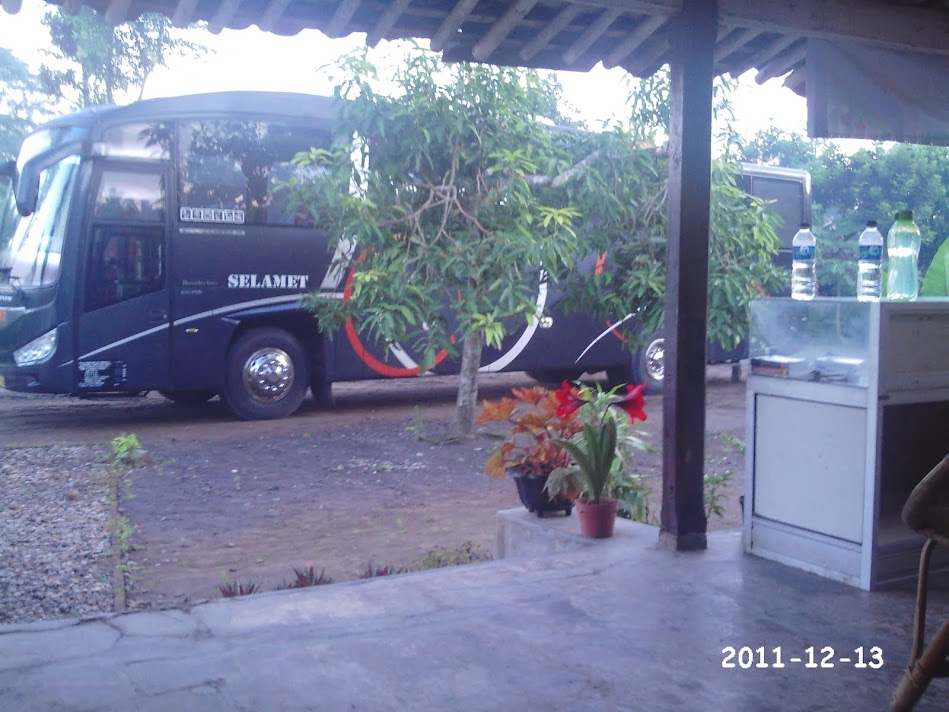 Parking bus in Desa Bahasa