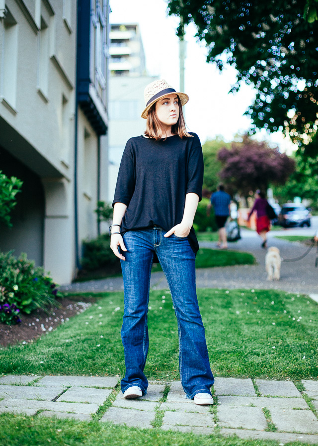 Vancouver Fashion Blogger showing how she wears the flare jeans trend