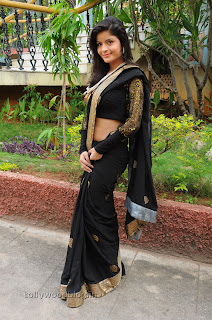 Gehana Vasista in black saree Pictures 014.jpg