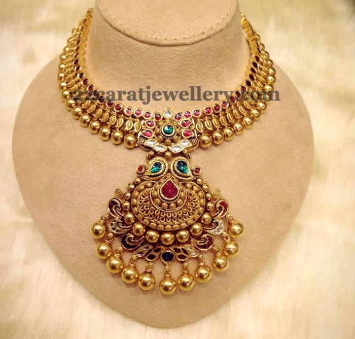 Antique Finish Kundan Set 49gms Jewellery Designs