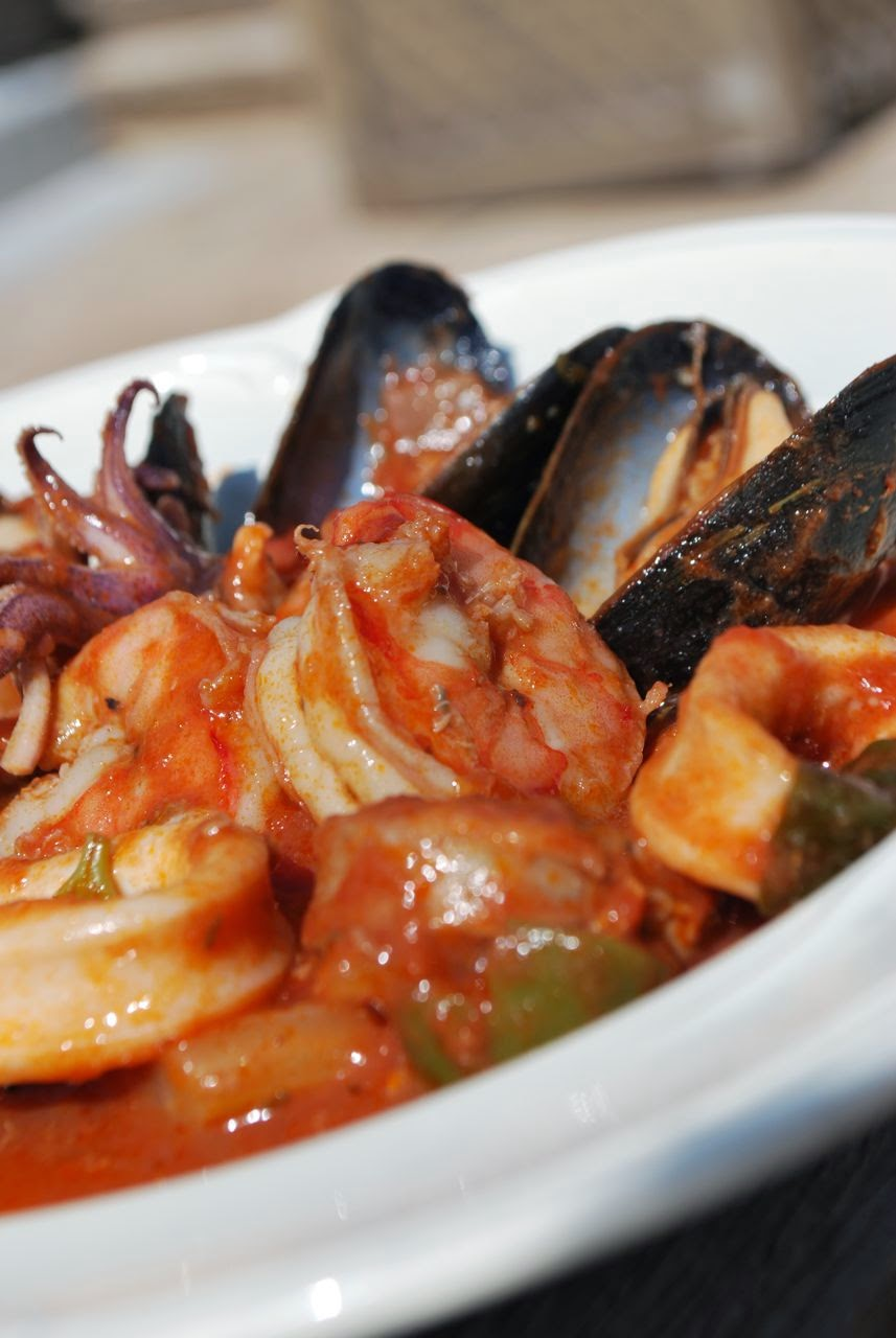 Scrumpdillyicious portuguese seafood stew caldeirada de for Is fish seafood