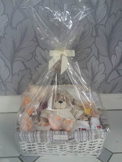 homemade, baby shower, hamper, hand made, basket, cellophane, gift, teddy bear, blanker, bibs, lights, candle, body shower cream, soap,