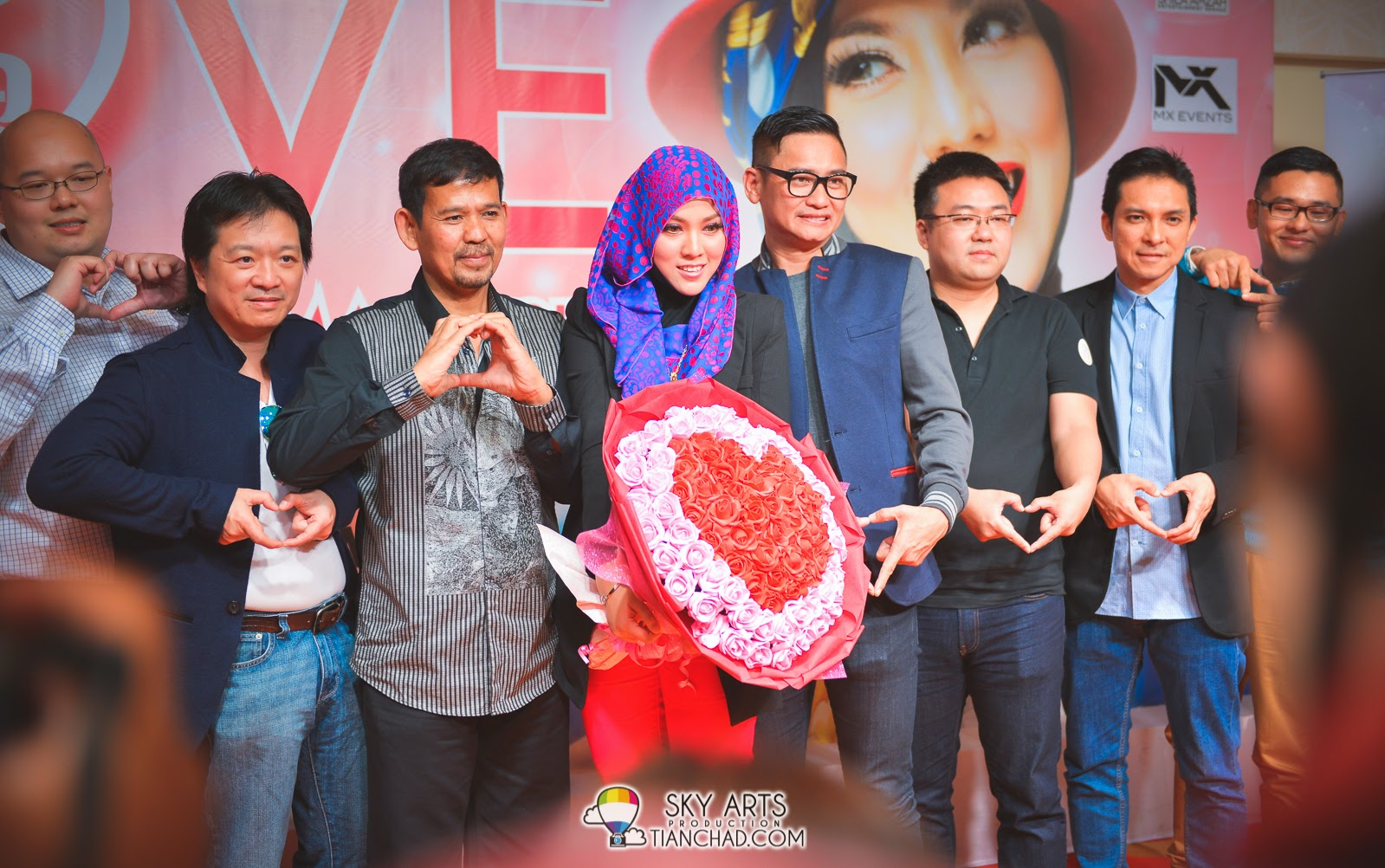 Shila together with sponsors and organizers #love