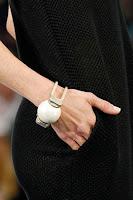 Метална гривна с голямо топче Chanel пролет-лято 2013